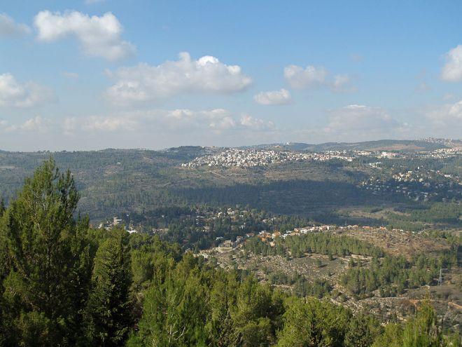 libredroitisrael1024x768israel seat-Yad_Vashem_view_of_Jerusalem_valley_by_David_Shankbone